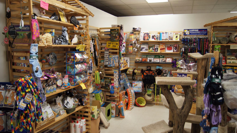 pet-toys-supplies-wild-bird-barn-baraboo